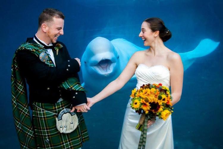 married couple photo at aquarium
