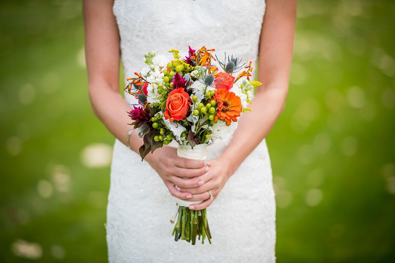bride-bouquet-wedding