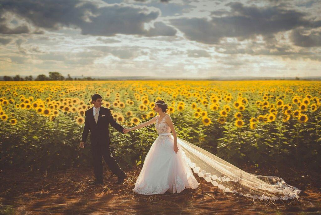 bride-groom-wedding-sunflower